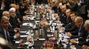 Chefs d'Etat autour du président iranien